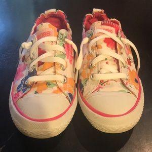 New Women's 8 Bobs / Sketchers Tennis Shoe 🌸